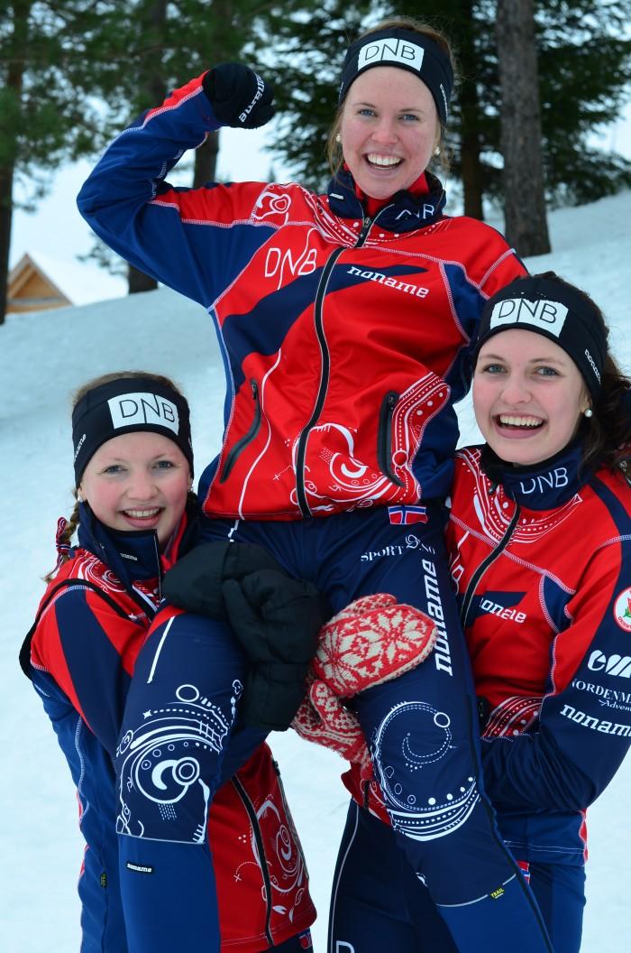 Gull i junior-VM! F.v. Marta Ulvensøen, Andrine Benjaminsen og Anna Ulvensøen